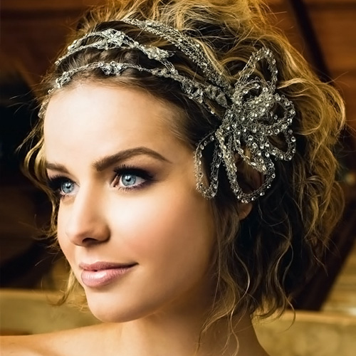 Short Natural Hairstyles for a Wedding